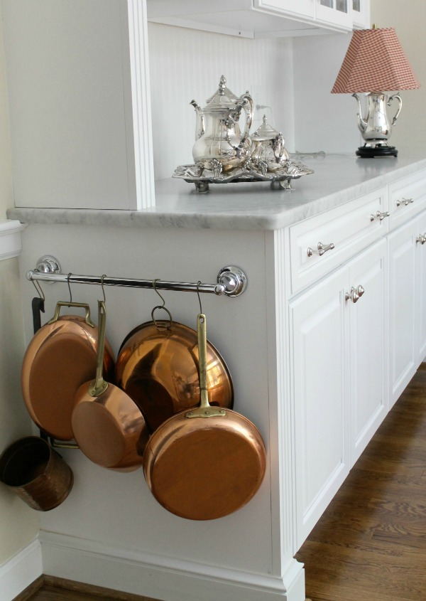 Small Kitchen Space Ideas Part - 49: 3. Treat Your Drawers To Some Helpful Organizers.