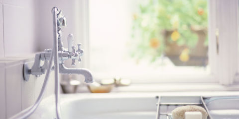 Cleaning your bathroom bathroom cleaning mistakes for Good housekeeping bathroom designs