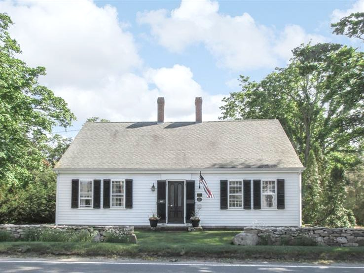 Cape Cod House With OneRoom Schoolhouse Historic Cape Cod Home - Cape cod home