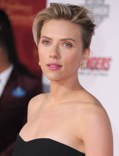 Want to spice up your short haircut? Go ash blonde like Scarlett Johansson. Paler highlights on darker blonde hair create a cool-girl-worthy contrast.