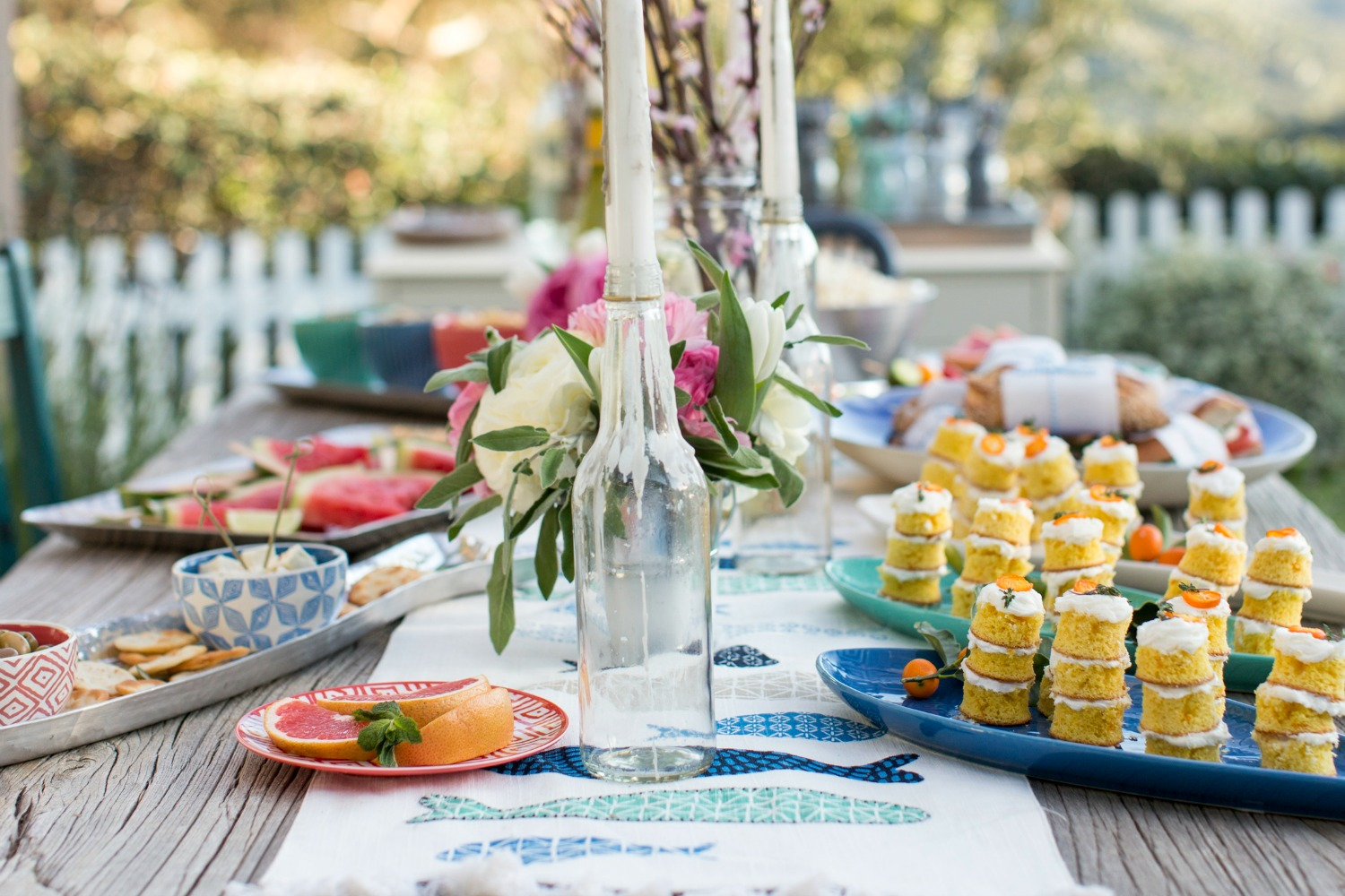 50+ summer party ideas and themes - outdoor entertaining tips