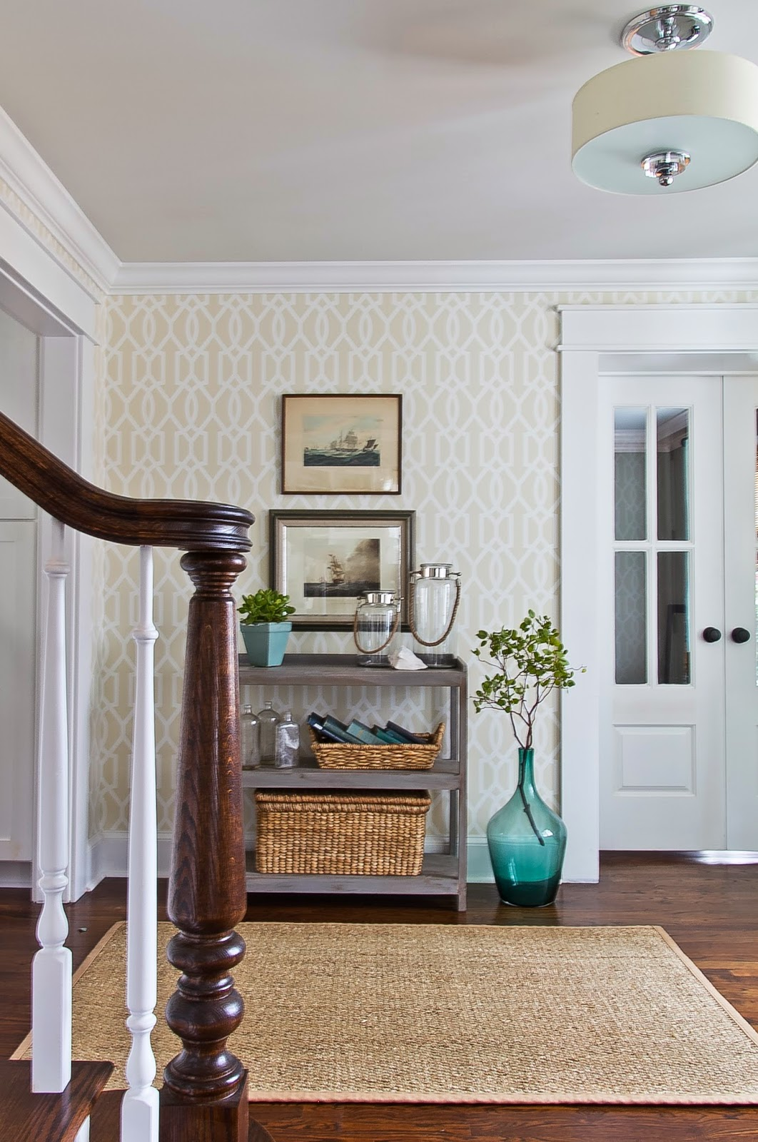 Tiny House Foyer : Ways to fake an entryway decorating tips