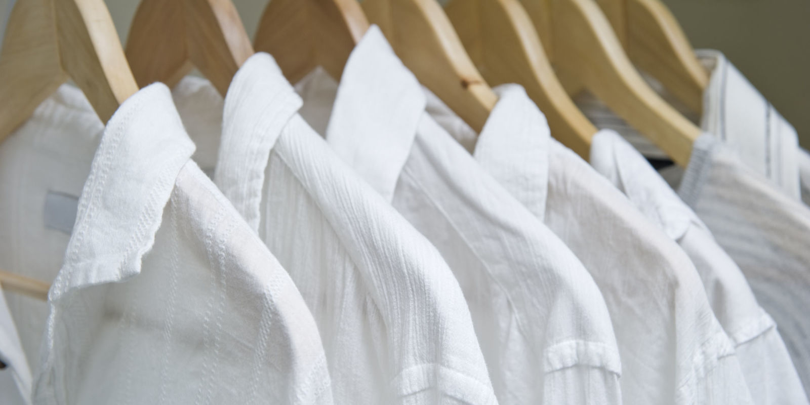 How to get out sweat stains how to keep white clothes white for How to prevent sweat stains on shirts
