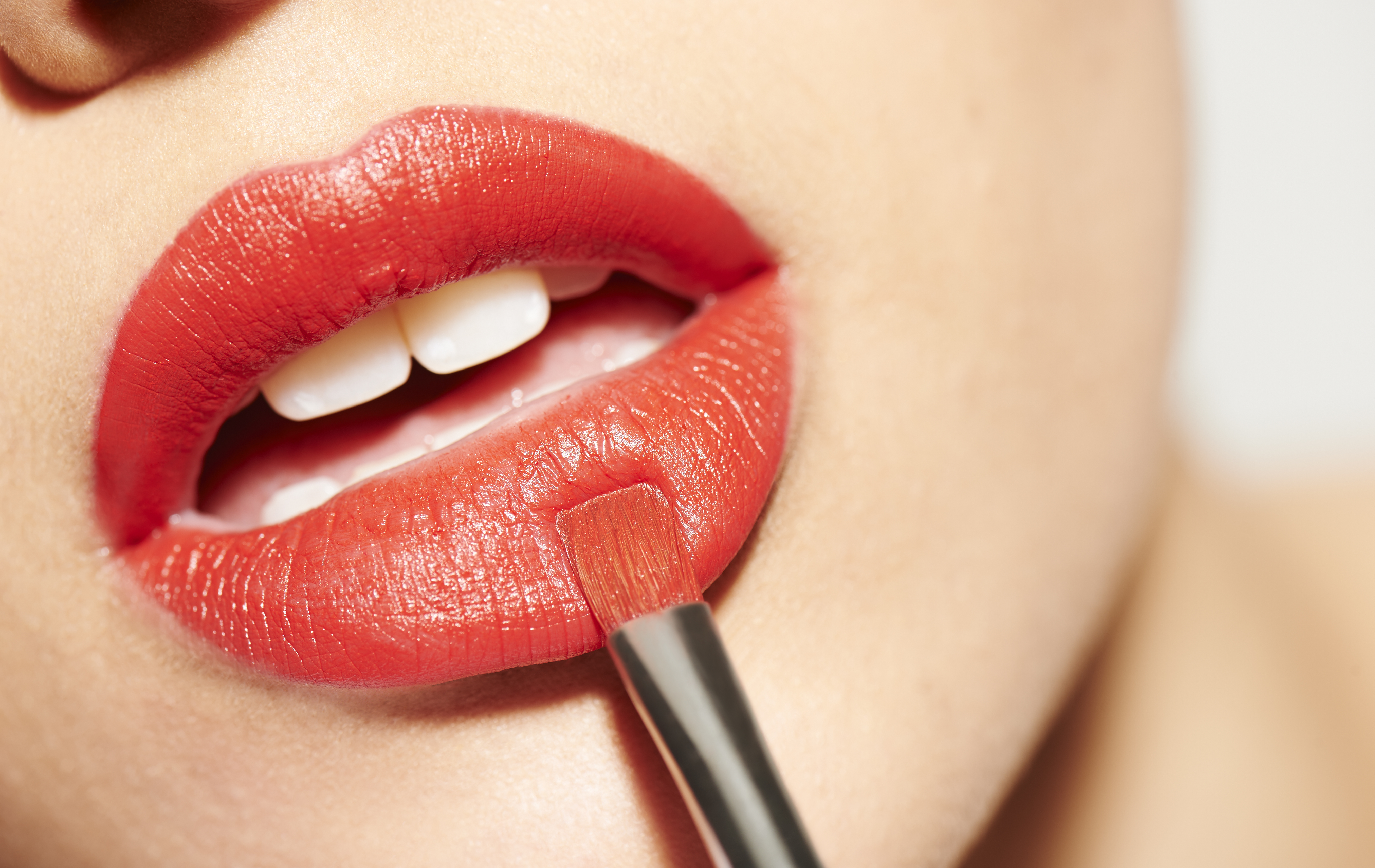 What Do Your Lipstick Shapes Say About Your Personality