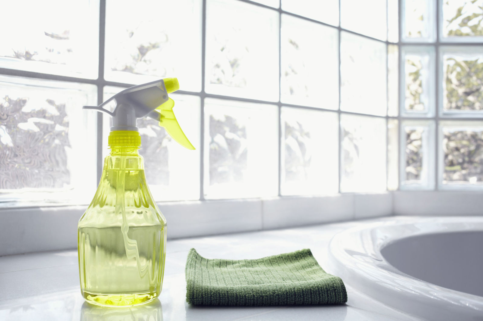 10 Great Eco-Friendly Cleaning Tips: Cleaning For A Better World