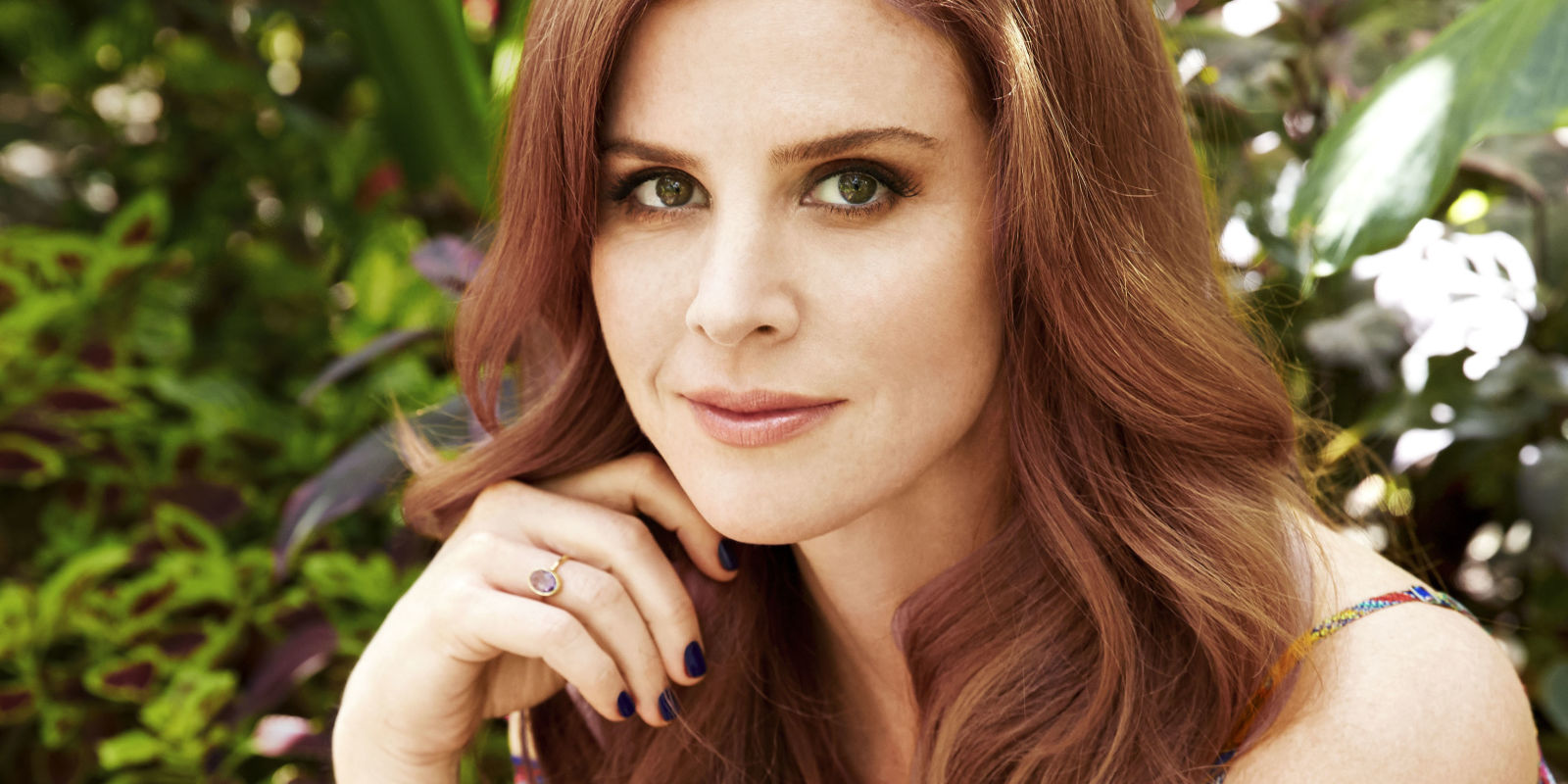 Bathroom Tv Ideas Sarah Rafferty Interview Suits Star Sarah Rafferty Talks