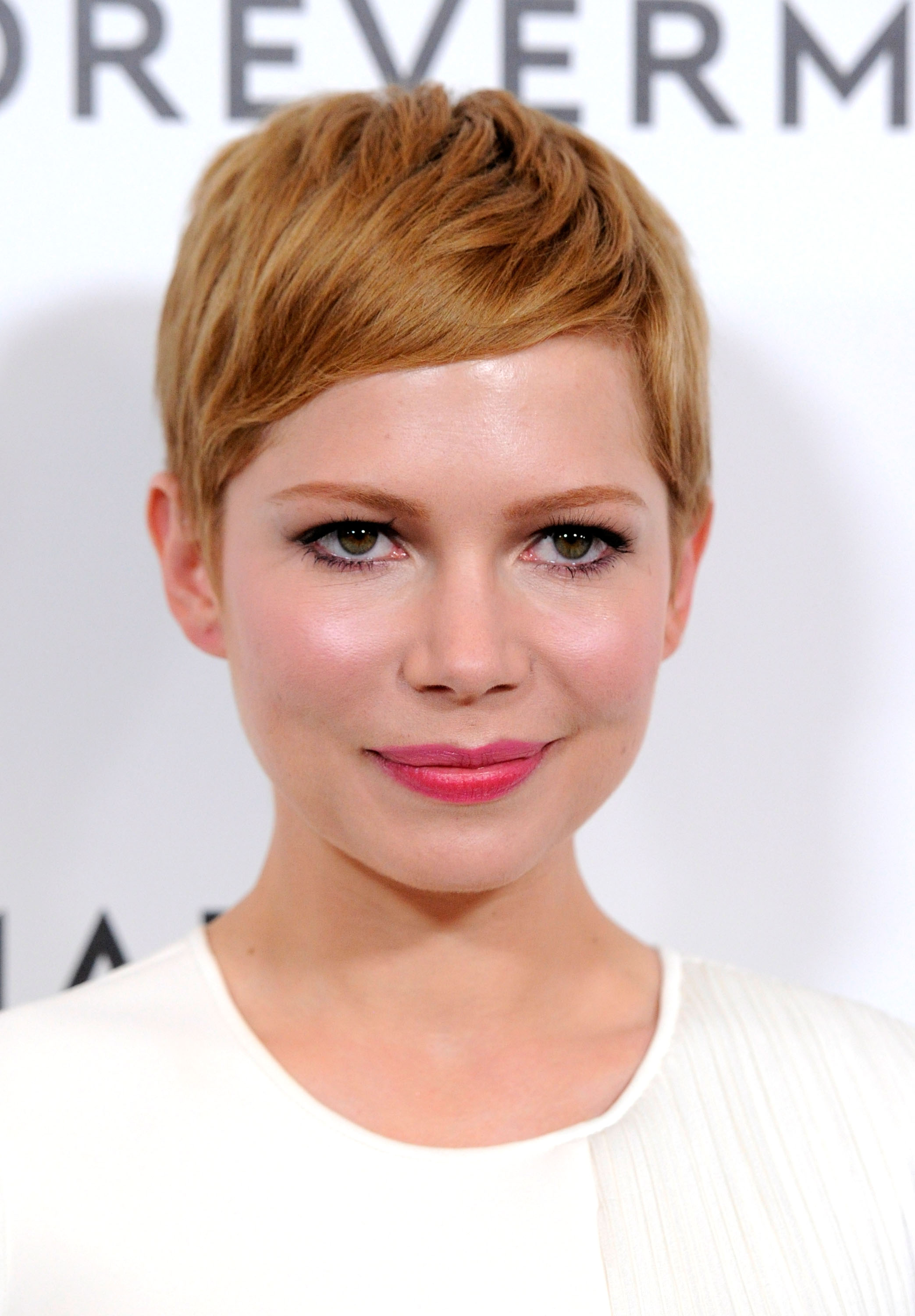 Sensational 34 Pixie Hairstyles And Cuts Celebrities With Pixies Short Hairstyles Gunalazisus