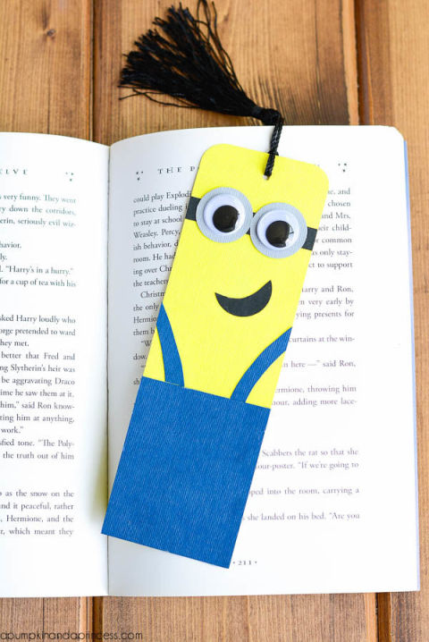 Gallery 1436567139 bookmark minion
