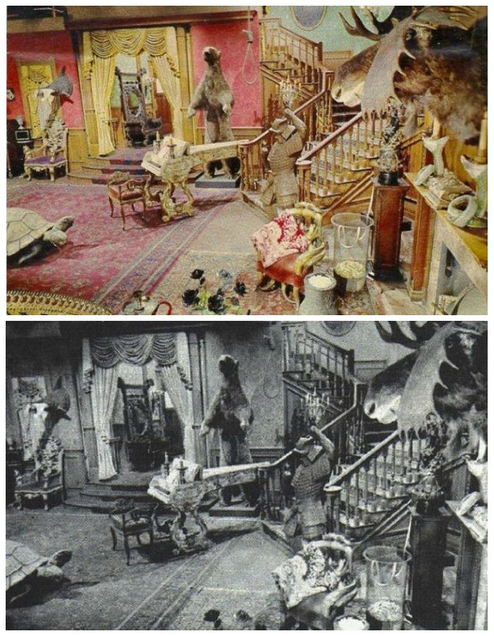 Fun facts about tv homes things you never knew about tv for The addams family living room
