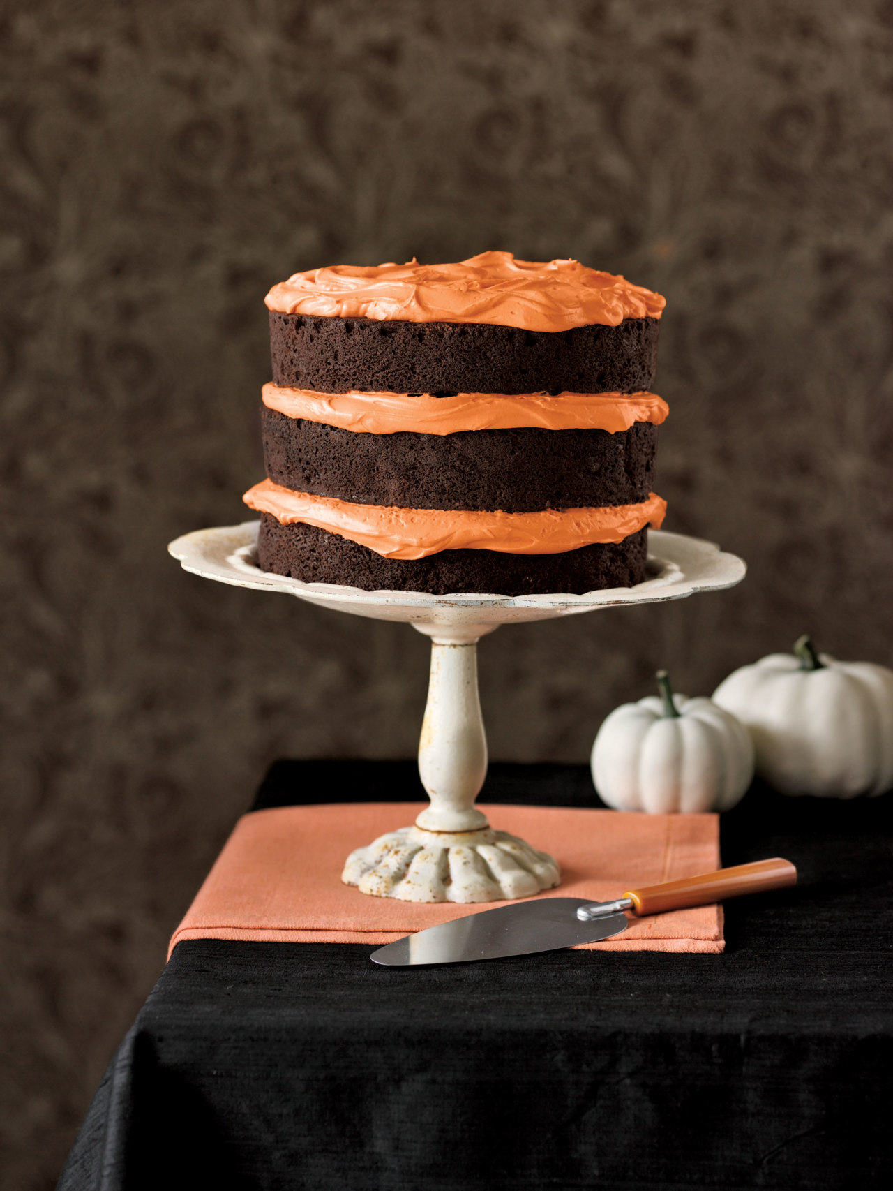 36 spooky halloween cakes recipes for easy halloween cake ideas - Easy To Make Halloween Cakes