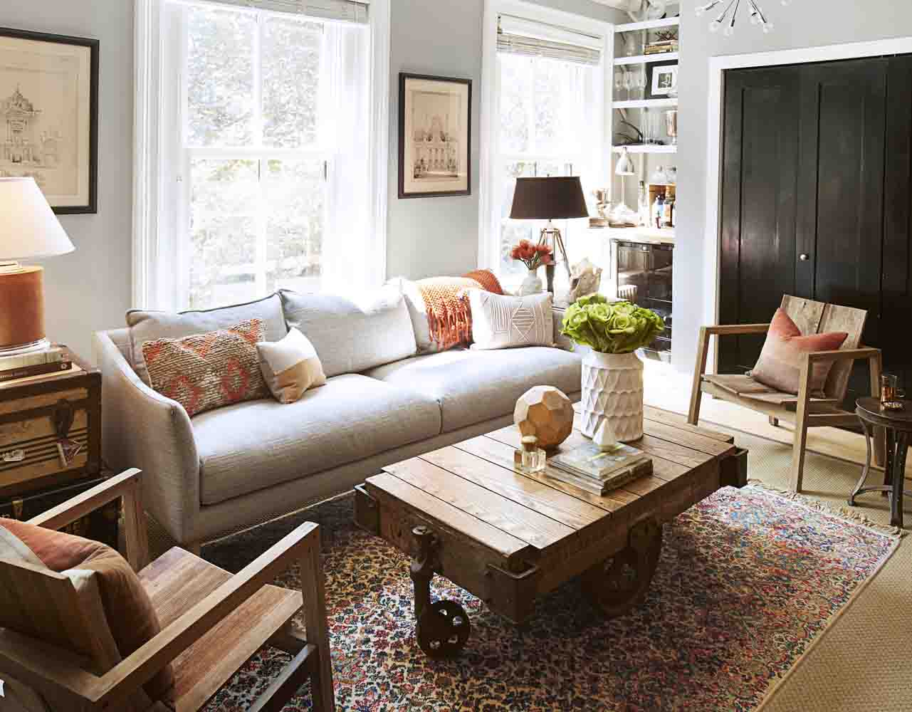 Small space decorating ideas decorating and design tips for How to decorate a sitting room