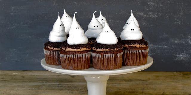 15 cute halloween cupcakes halloween cupcake ideas - Halloween decorations for cupcakes ...