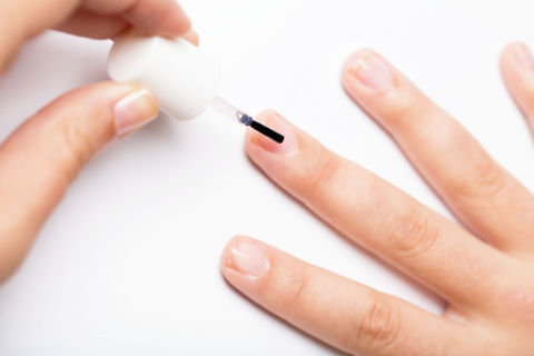 how to fix a torn nail with a tea bag