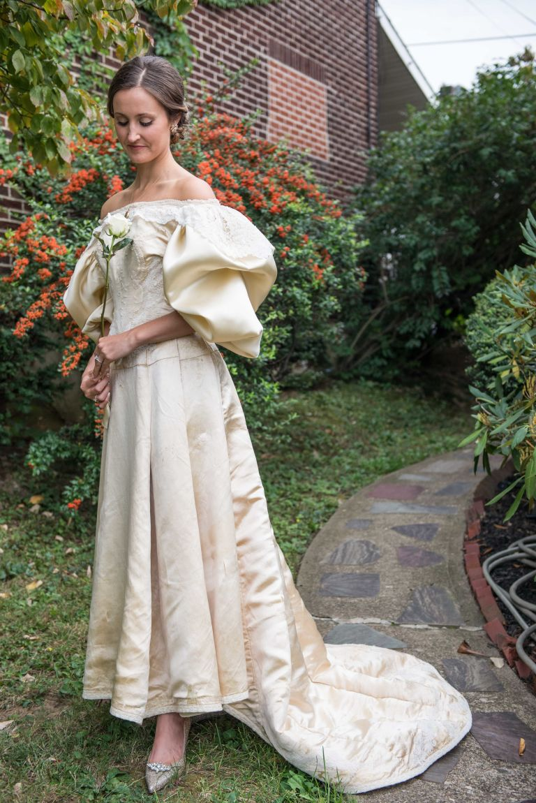 This Bride Will Be The 11th Woman In Her Family To Wear Wedding Dress