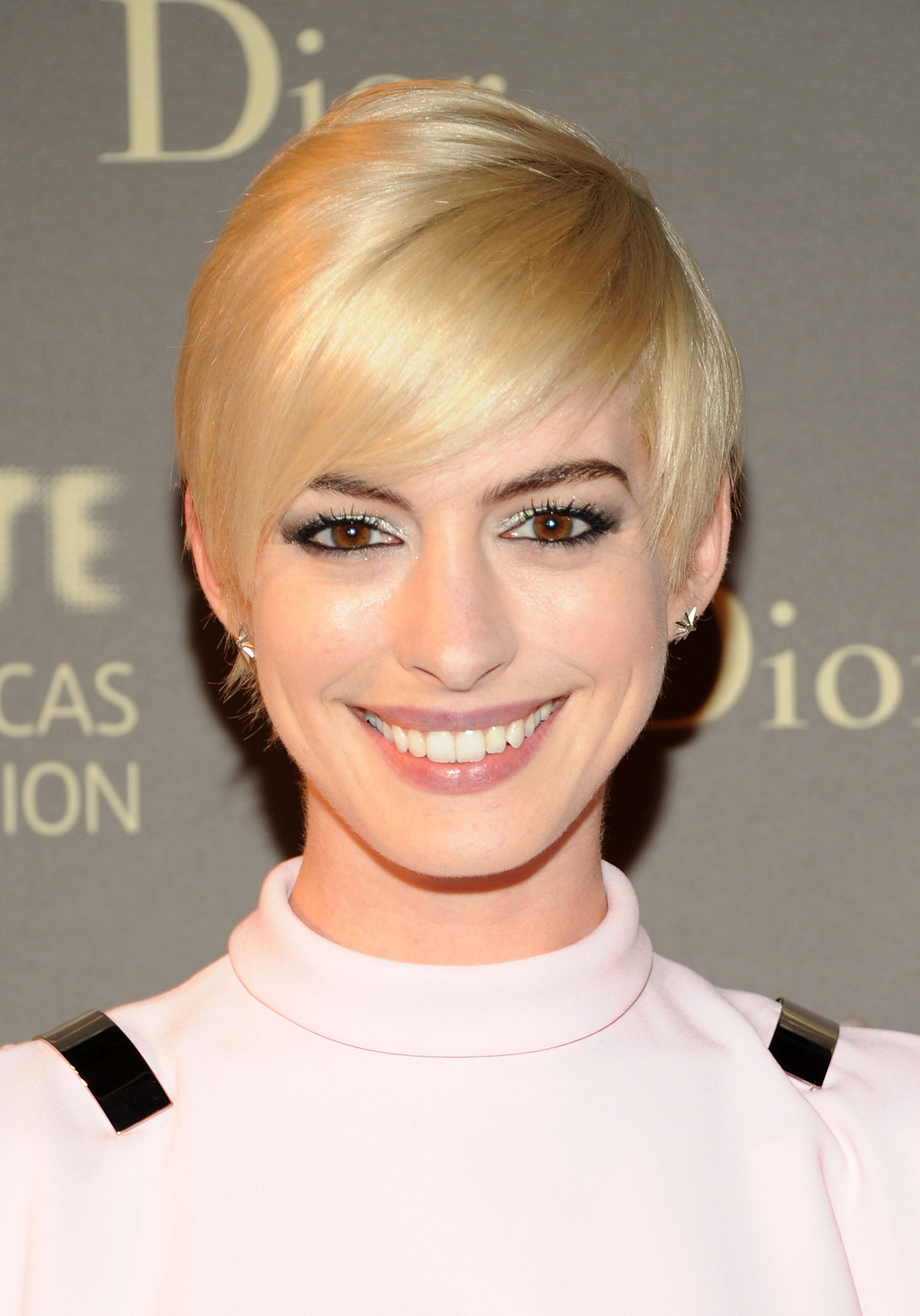 Amazing 27 Short Hairstyles For Women How To Style Short Haircuts Short Hairstyles Gunalazisus