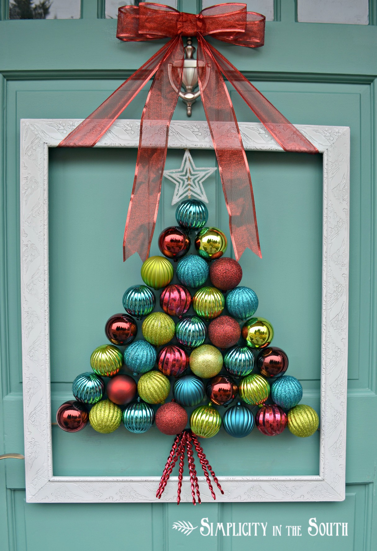 How to make a christmas decoration using recycled materials - 30 Christmas Door Decorating Ideas Best Decorations For Your Front Door