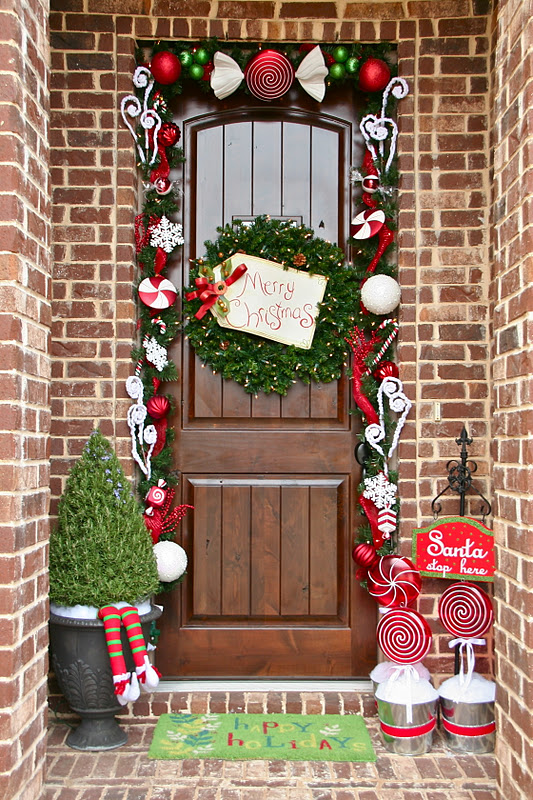 30 Christmas Door Decorating Ideas , Best Decorations for Your Front Door