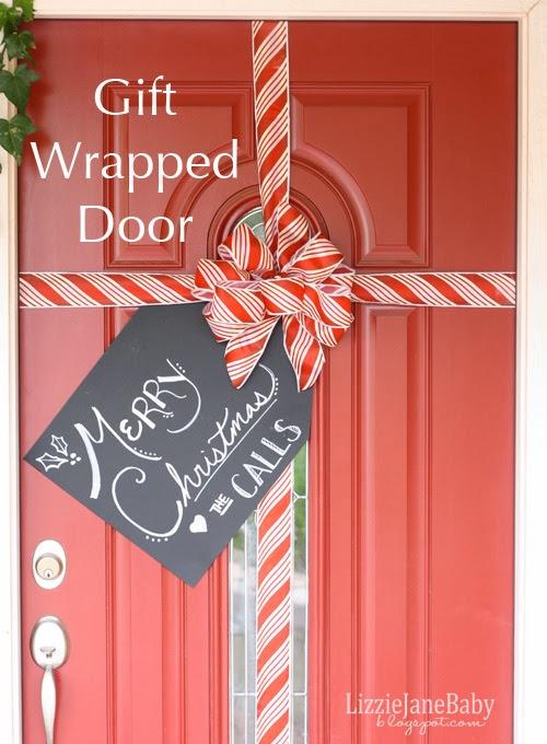 35 Christmas Door Decorating Ideas - Best Decorations for Your Front Door & 35 Christmas Door Decorating Ideas - Best Decorations for Your ... pezcame.com