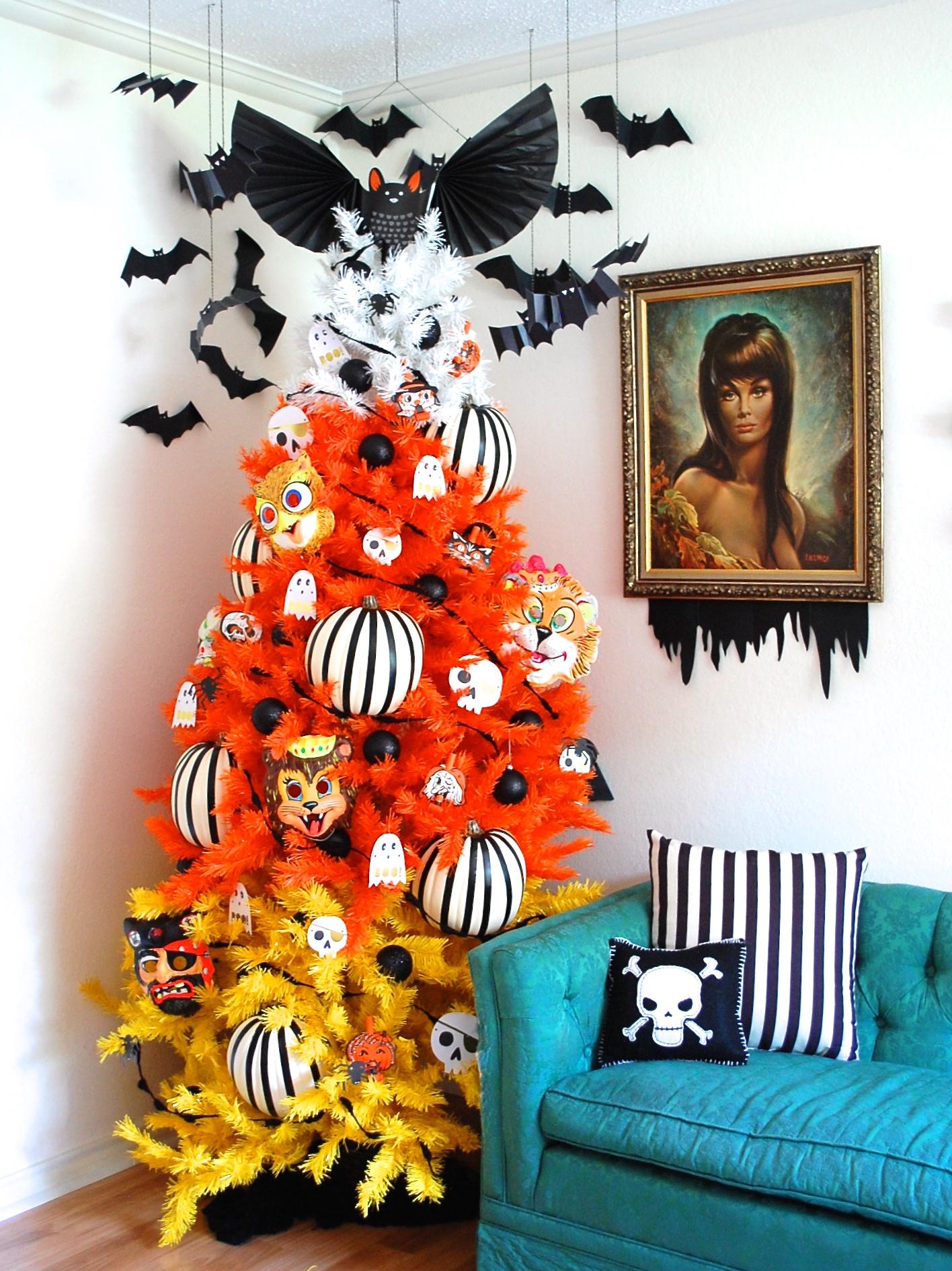 Spooky halloween tree decoration - Spooky Halloween Tree Decoration