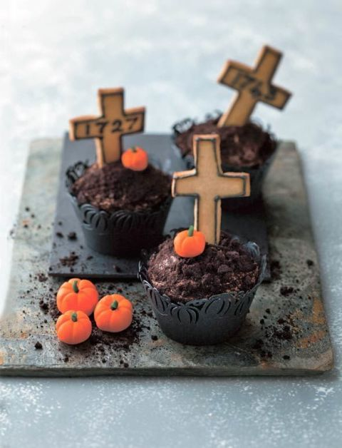Get ready for death by chocolate, complete with cookie headstones and everything.Get the recipe from Leite's Culinaria »
