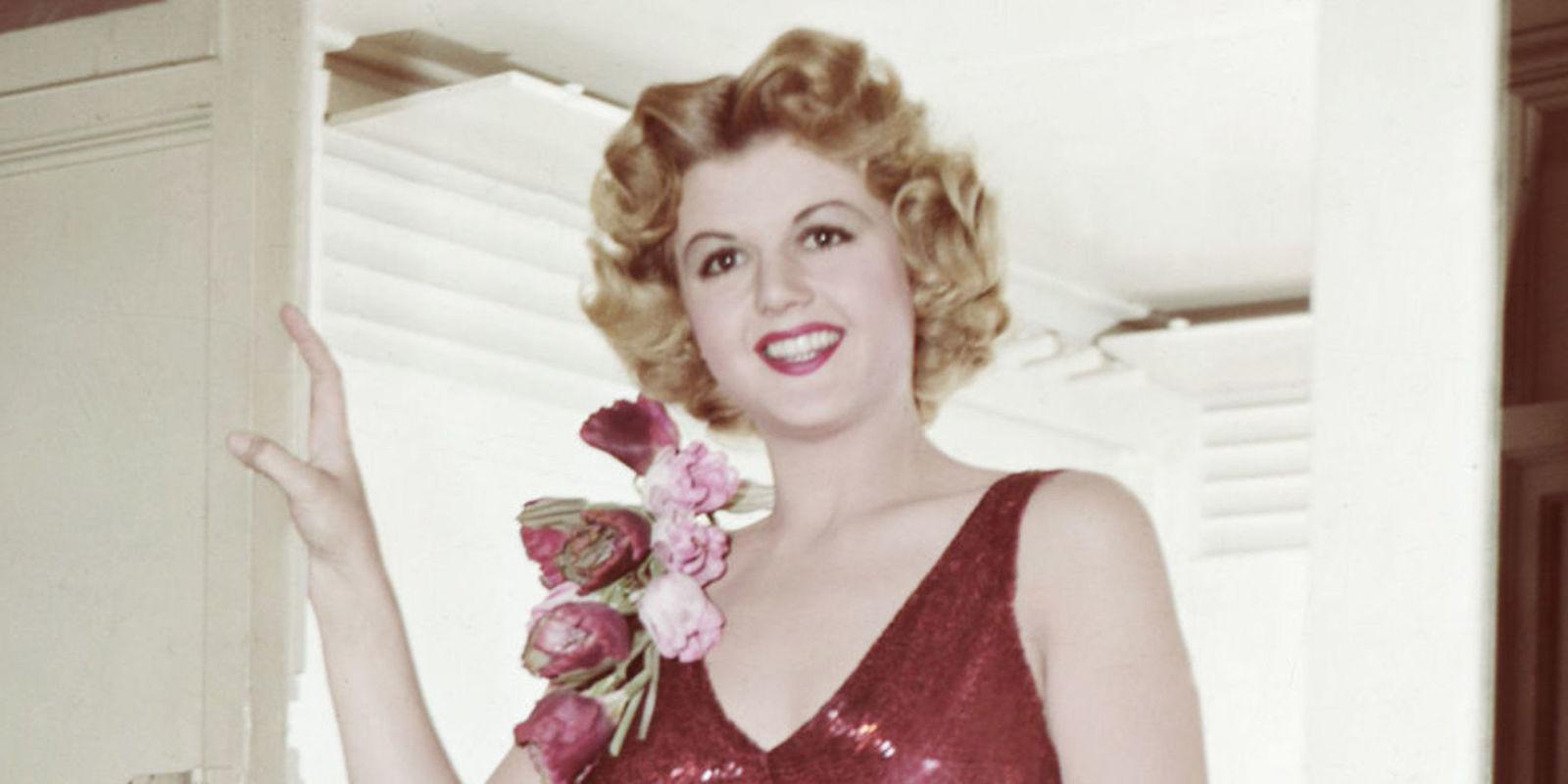 angela lansbury young photos   angela lansbury turns 90