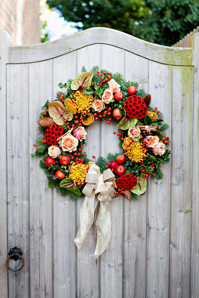 & 67 DIY Christmas Wreaths - How to Make a Holiday Wreath Craft pezcame.com