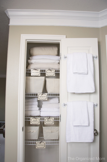 linen closet organization tricks how to organize your. Black Bedroom Furniture Sets. Home Design Ideas