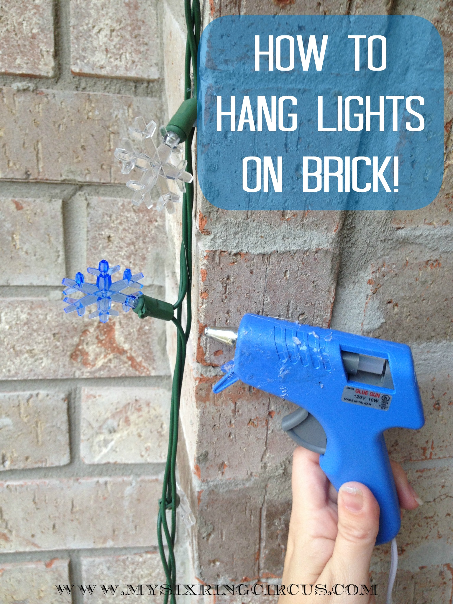 How to hang christmas lights - 10 Christmas Decoration Hanging Hacks How To Hang Your Holiday Decorations