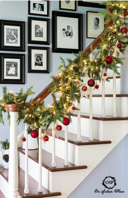 Simple Diy Christmas Decorations Stairs