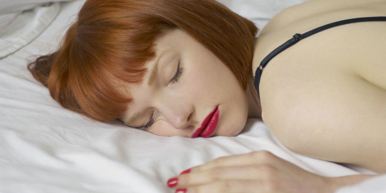 6 Risks Of Sleeping In Makeup Why You Should Never Sleep In Makeup