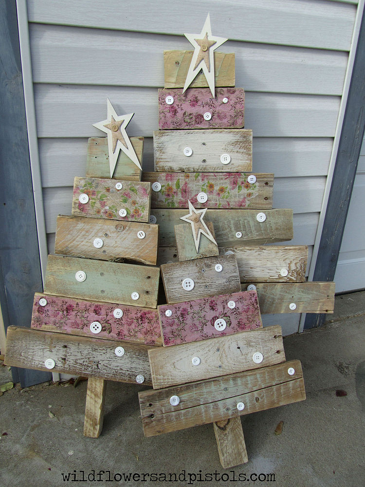 12 christmas pallet projects christmas pallet ideas - Wood Christmas Trees