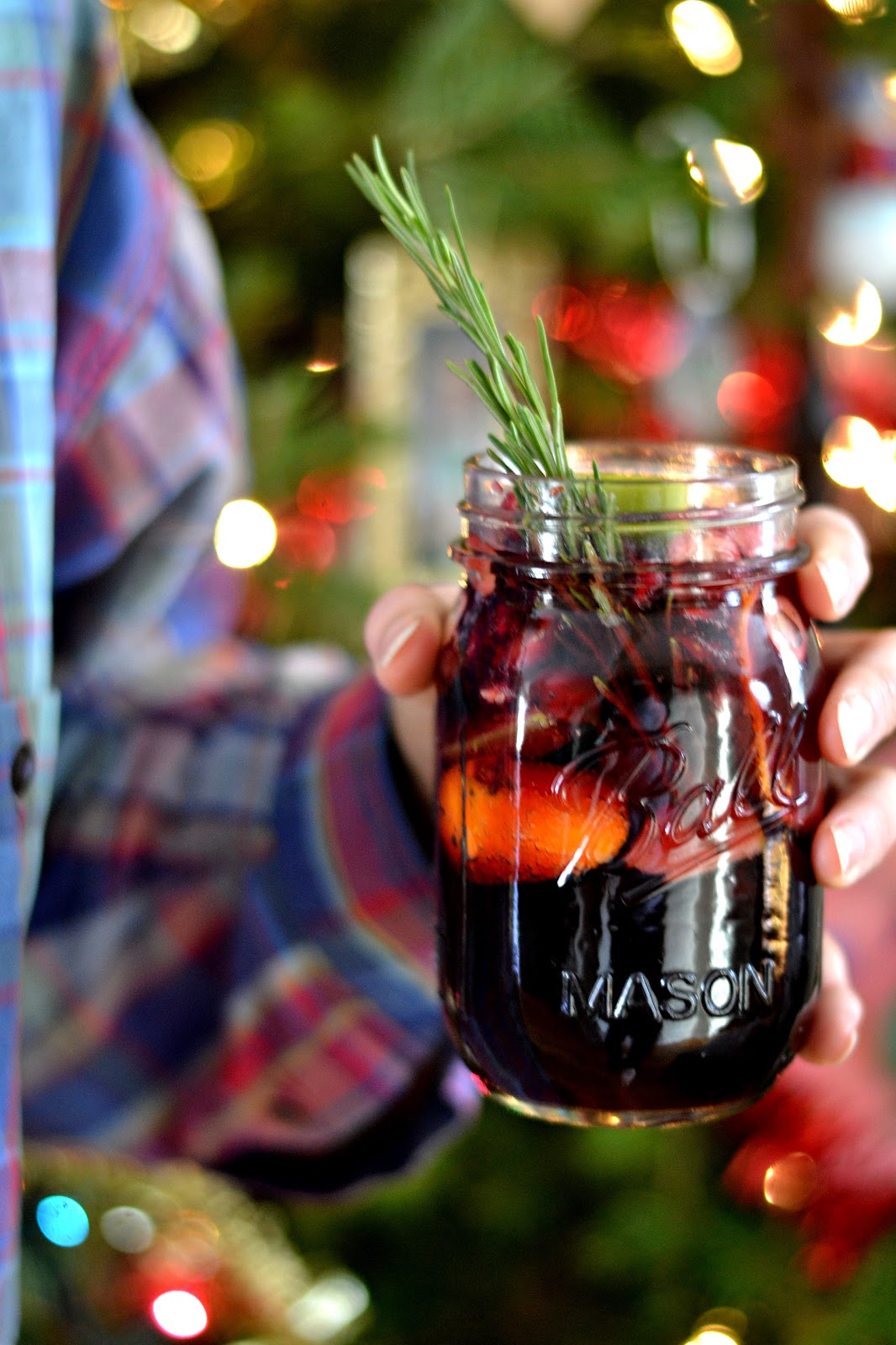 30 Easy Christmas Cocktails - Recipes for Holiday Alcoholic Drinks ...
