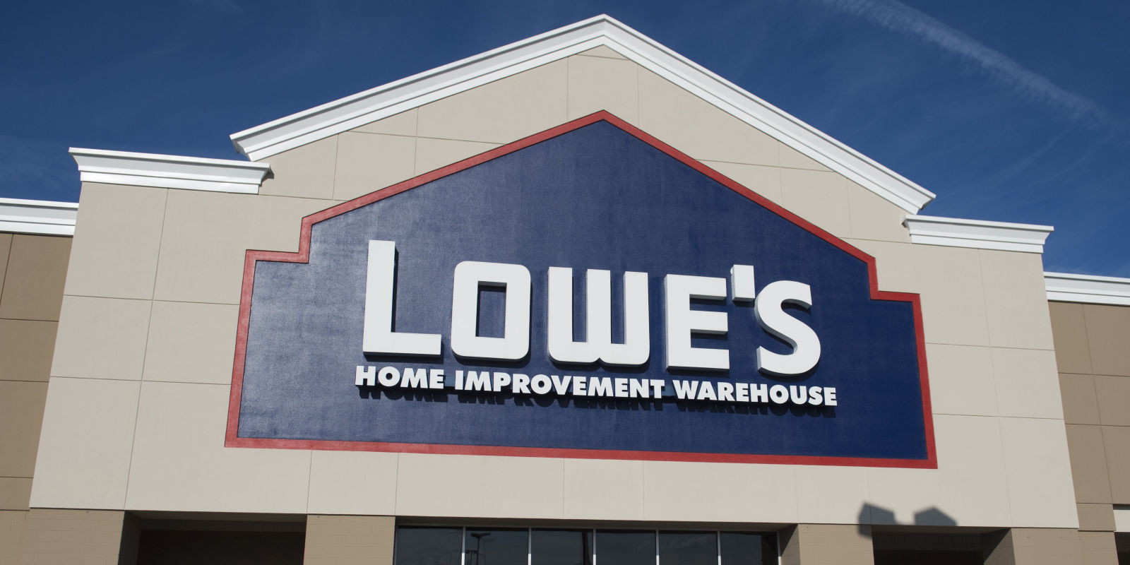 The latest Tweets from Lowe's (@Lowes). Start with Lowe's for the info Pros need 👩‍🔧👨‍🔧 and the tips DIY-ers want 🏠. Corporate HQ, Mooresville, NCAccount Status: Verified.