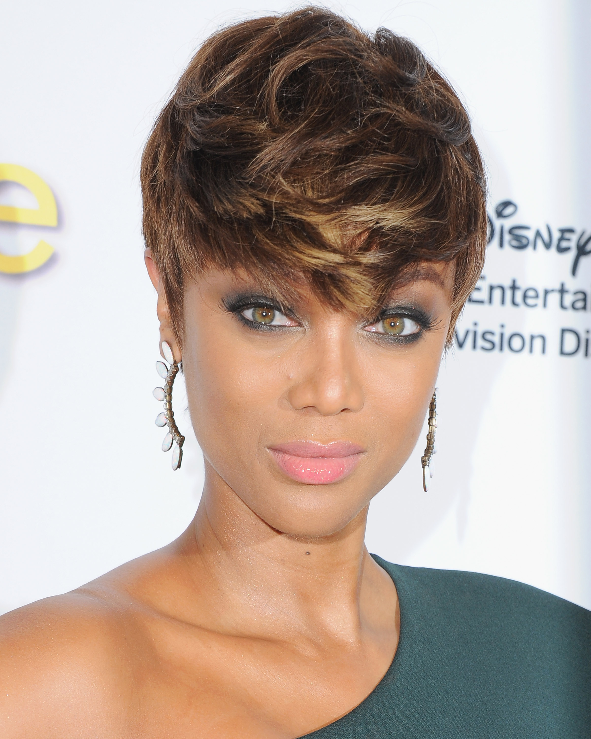 Astounding 34 Pixie Hairstyles And Cuts Celebrities With Pixies Short Hairstyles Gunalazisus