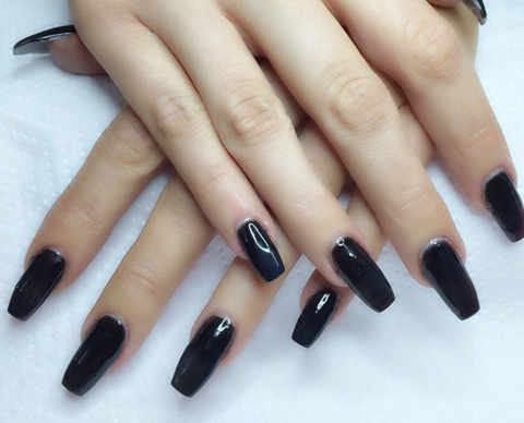 13 ways to wear coffin shaped nails — design ideas for