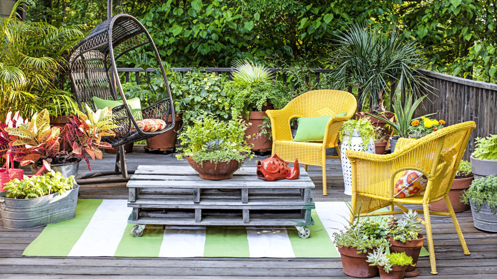 pile on pots - Garden Ideas In Small Spaces