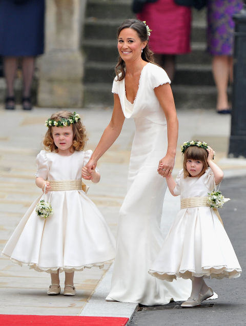 The Junior Bridesmaids And Flower Girls Wore Crowns Modeled After One Carole Middleton In Her Own Wedding 1980