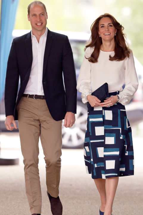 May 16, 2016 &mdash; For the launch of the Heads Together campaign, Kate paired a printed midi-skirt and white blouse with a simple black clutch.