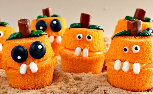 34 cute halloween cupcakes easy recipes for halloween cupcake ideas - Halloween Inspired Cupcakes