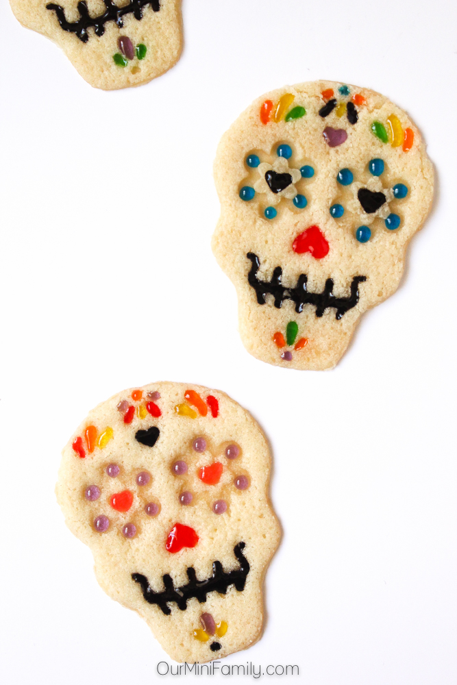 28 Homemade Halloween Cookie Ideas - Recipes & Decorating Tips for ...