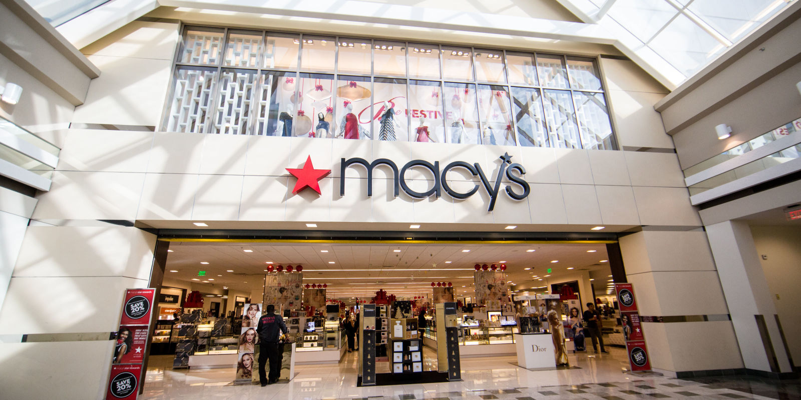 Macy S Closing 100 Stores Department Store To Focus On