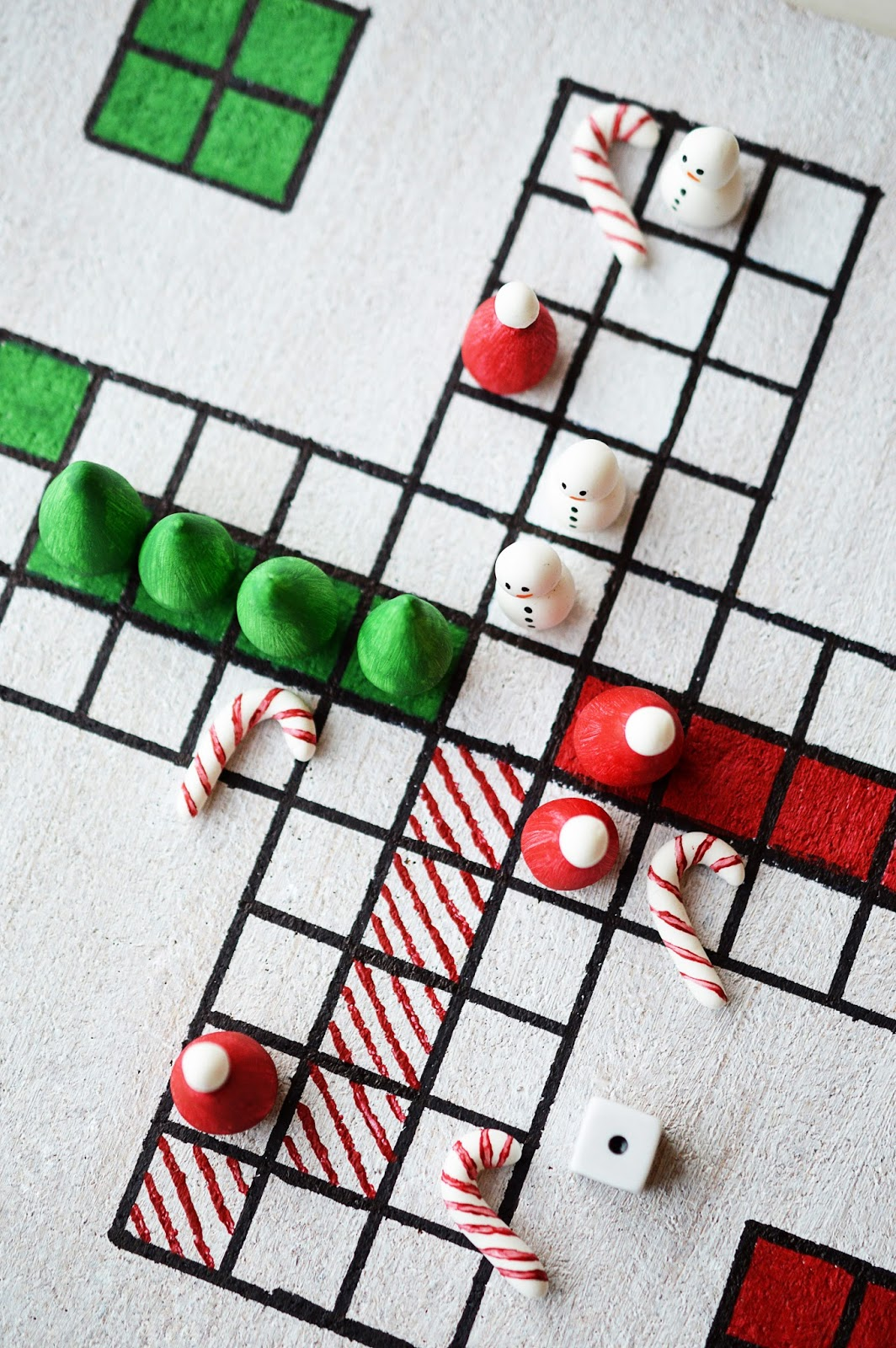 Game board colors - 27 Fun Christmas Games To Play With The Family Homemade Christmas Party Games