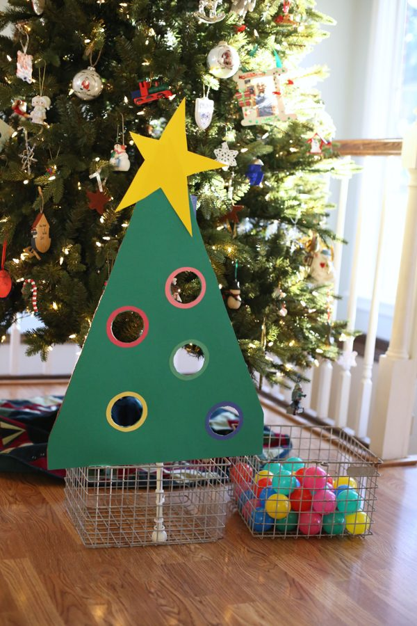 Christmas Party Contest Ideas Part - 22: 27 Fun Christmas Games To Play With The Family - Homemade Christmas Party  Games