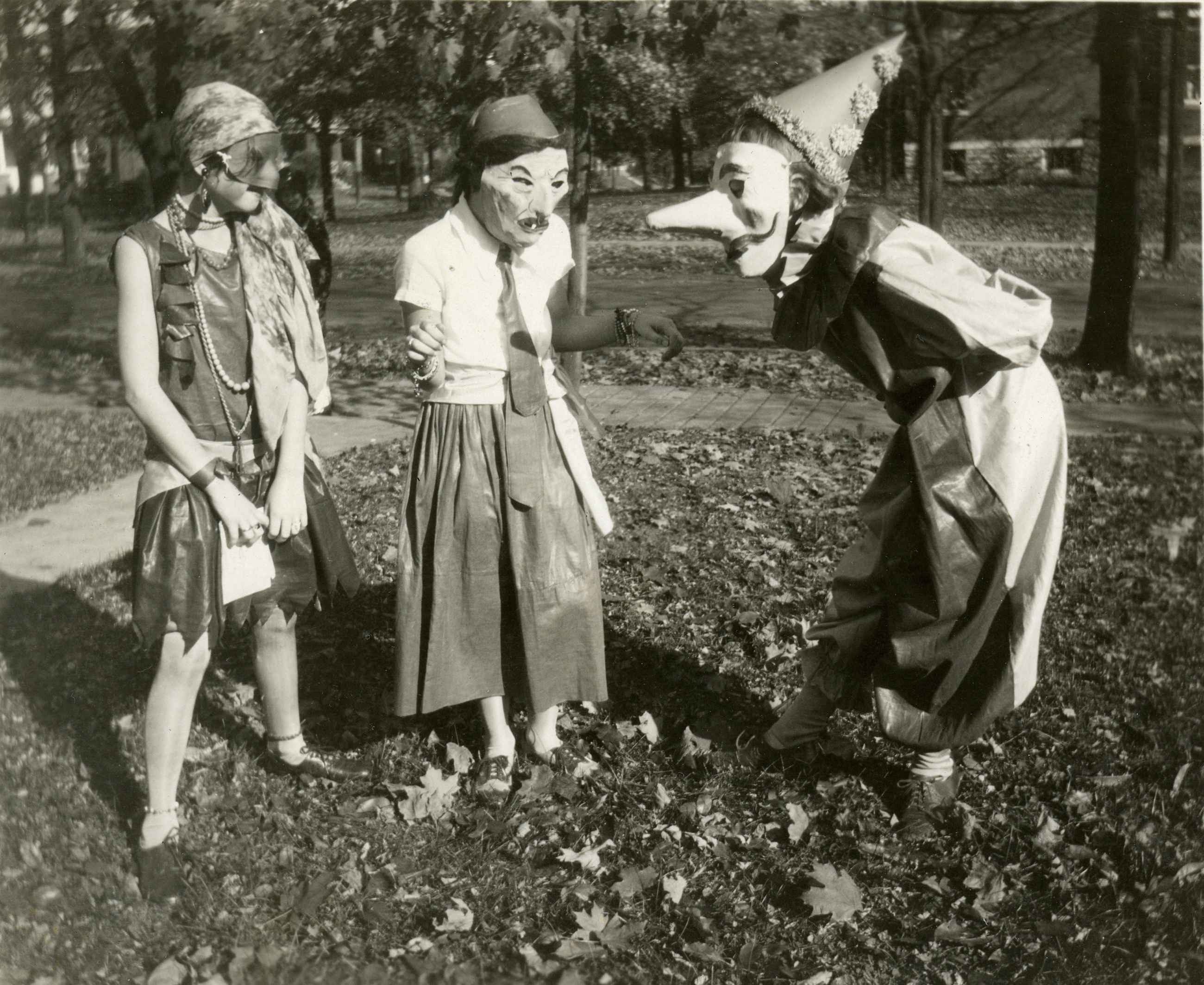 125 Years of Halloween Costumes - Vintage Halloween Costumes