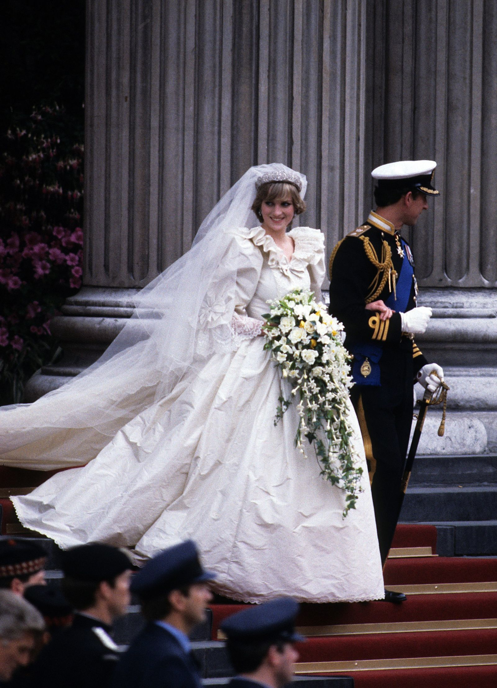 Oscar winning celebrity wedding dresses - 9 Of The Most Expensive Celebrity Wedding Dresses Ever Priciest Bridal Gowns Of All Time