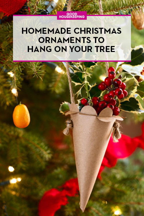 52 homemade christmas ornaments diy handmade holiday for Easy to make christmas decorations at home