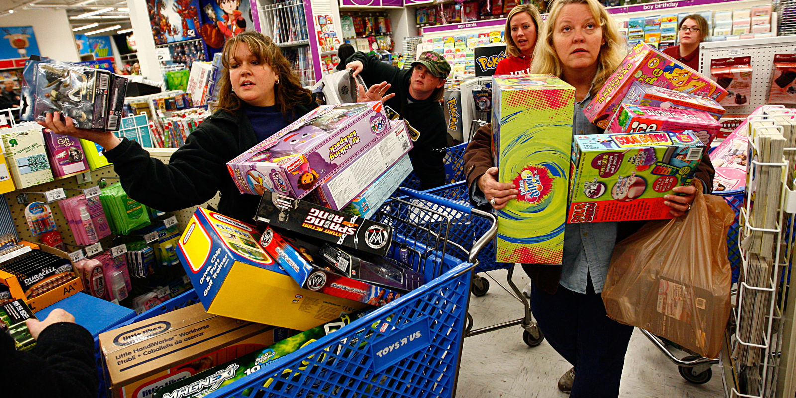 15 Hilarious Black Friday Fails - Black Friday Horror Stories