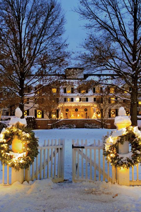 15 Outdoor Christmas Light Decoration Ideas  Outside Christmas