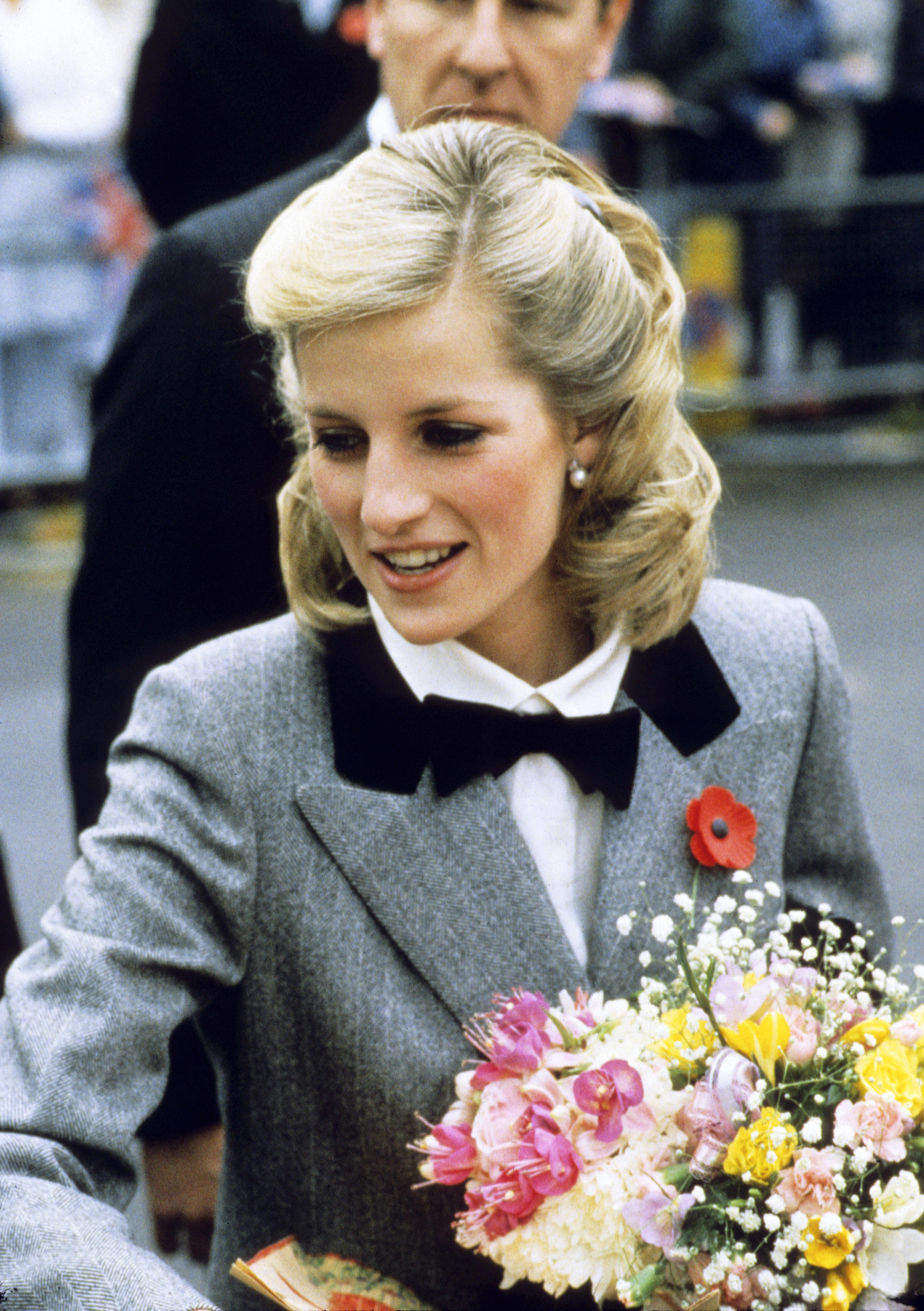 Princess Diana News Blog: Princess Diana's Hair Though The Year