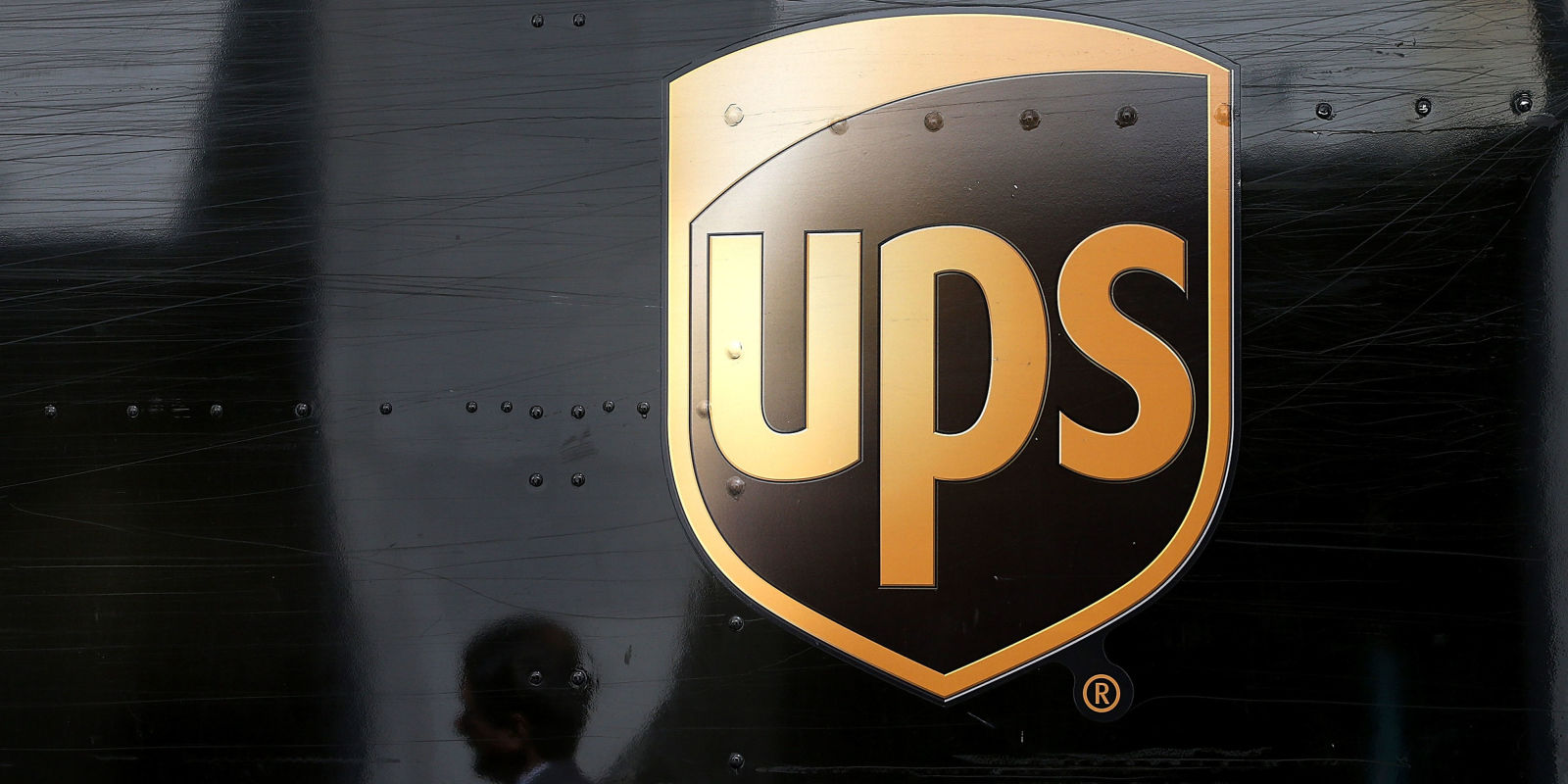 Ups Delivery Woman UPS Deliver Man...